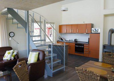 Ferienhaus mit offener Küche und Kaminofen