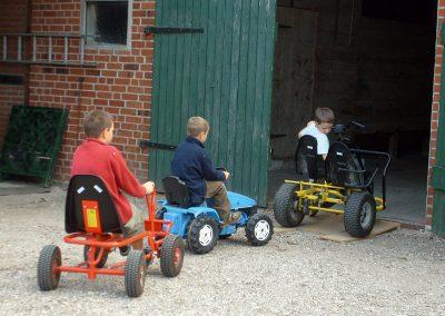 Spielscheune für Kinder auf dem Hof