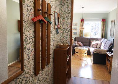 Eingangsbereich/Flur mit Blick auf den Wohnbereich